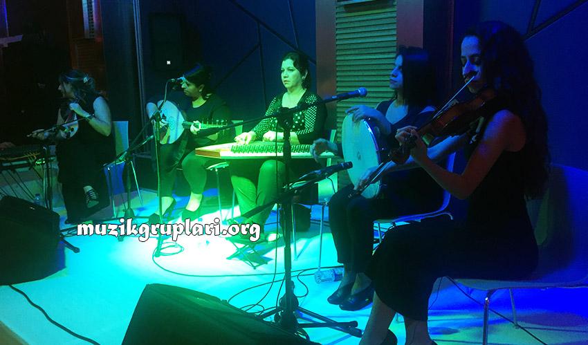 bayan müzisyen grubu ile nişan organizasyonu